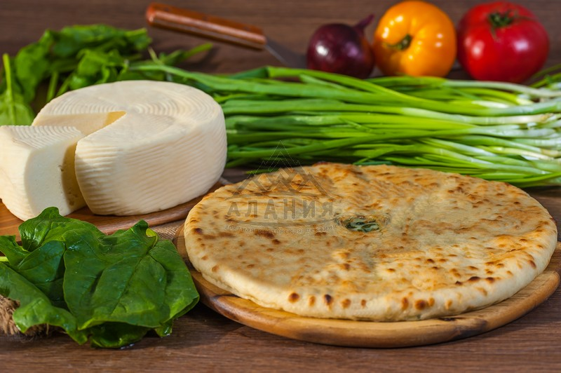 Pie with young Ossetian cheese and spinach - alania.com.ua