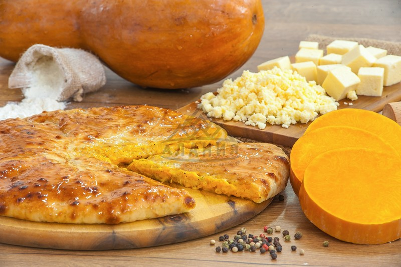 Pie with pumpkin and young Ossetian cheese - alania.com.ua