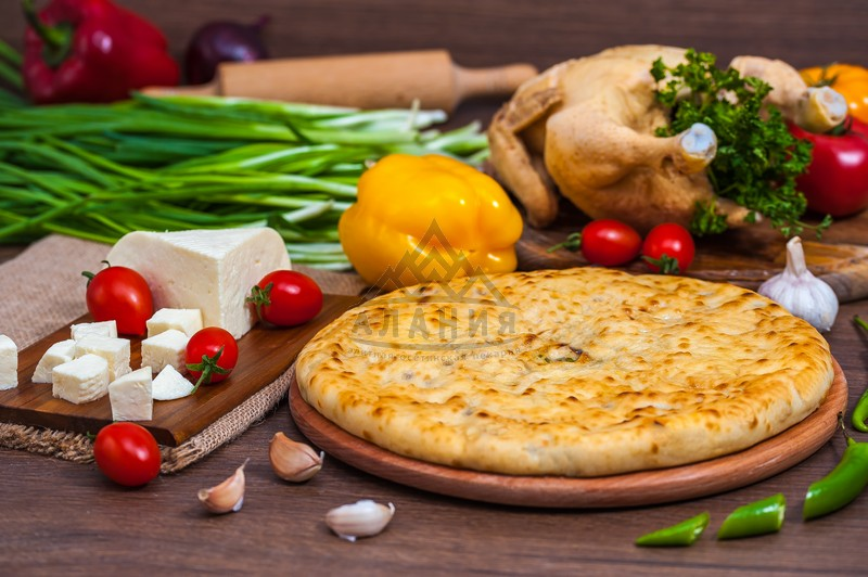 Pie with fillet of homemade chicken, Ossetian cheese, tomatoes and hot pepper - alania.com.ua